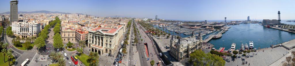 Vista aèria del inici de les Rambles i el Port de Barcelona