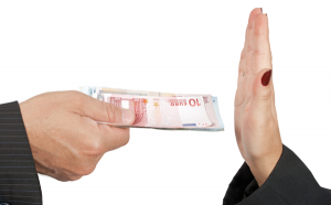Per acabar amb el frau, les empreses proposen limitar els pagaments en efectiu i prohibir el pagament de les nòmines en efectiu.