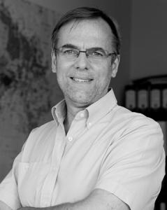 Oriol Amat. Catedràtic d'Ecpnomia de la Universitat Pompeu Fabra.
