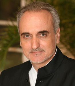 Salvador Molina.