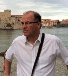 Joaquim Triadú i Vila-Abadal. Professor associat de l' IESE. Vicepresident del Centre Sector Públic-Sector Privat de l' IESE.