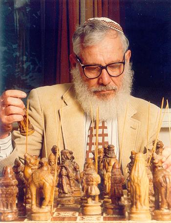 Robert J. Aumann va topar amb la teoria de jocs gràcies a John Nash, reconegut matemàtic (i guanyador del Premi Nobel d'Economia 1994) que va morir l'any passat. Ambdós es van conèixer a l'Institut Tecnològic de Massachusetts (MIT) quan Aumann finalitzava el seu doctorat i Nash era instructor Moore.