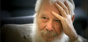 "Entrevista a <span style=""color: #328FAF; font-weight: bold;"">Robert J. Aumann</span>, Premi Nobel d'Economia 2005"