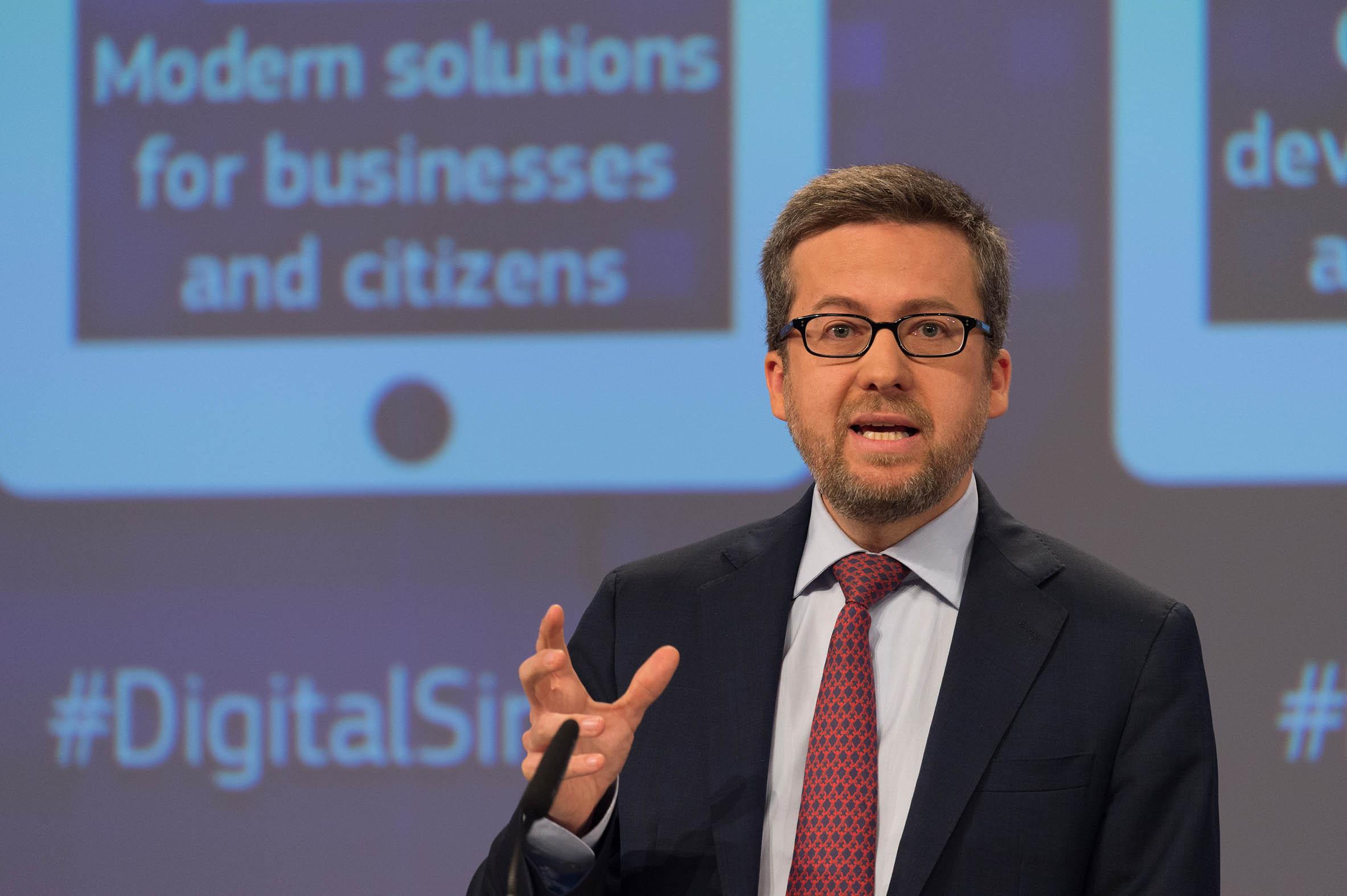 El comisario actualmente está trabajando en la creación del Consejo Europeo de Innovación, donde espera apoyar a los mejores innovadores para dar a conocer su potencial, avanzar en la creación de mercados favorables y generar un mayor impacto en inversión en I+D.