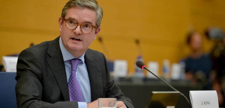 """Entrevista a <span style=""""color: #619A88; font-weight: bold; """">Julian King,</span></span> comisario europeo de Unión de la Seguridad"""